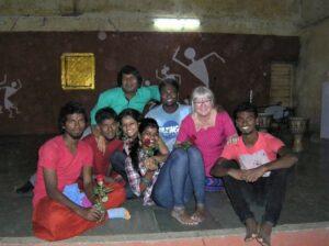 Aina med närmaste vännerna i Indien